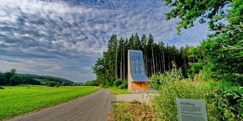 Wegkapelle von Wilhelm Huber bei Emersacker