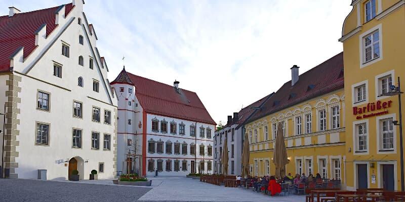Fugger- und Neuffen-Schloss