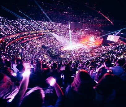 LANXESS arena, concert stage and audience