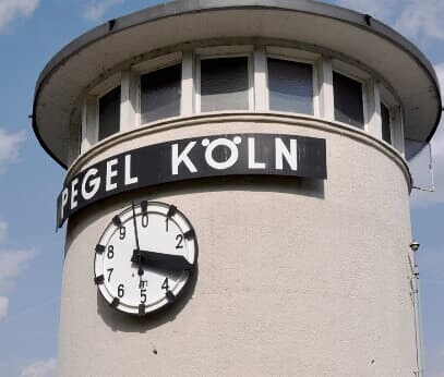 Cologne water level meter