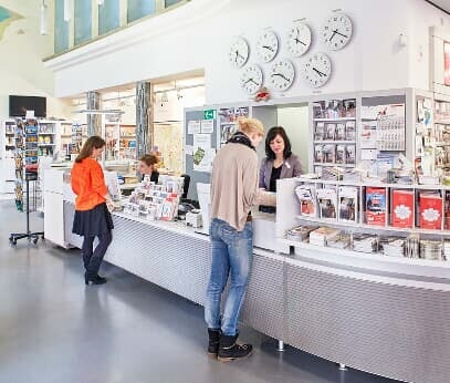 Consulting at the Service Centre of the Cologne Tourist Board