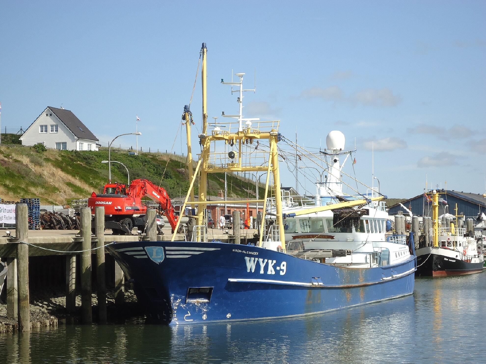 Muschelfischer im Hörnumer Hafen