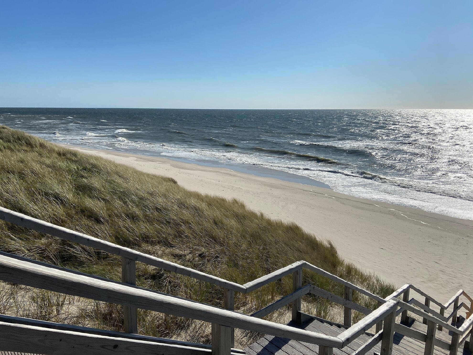 Strandtreppe zum Hauptstrand