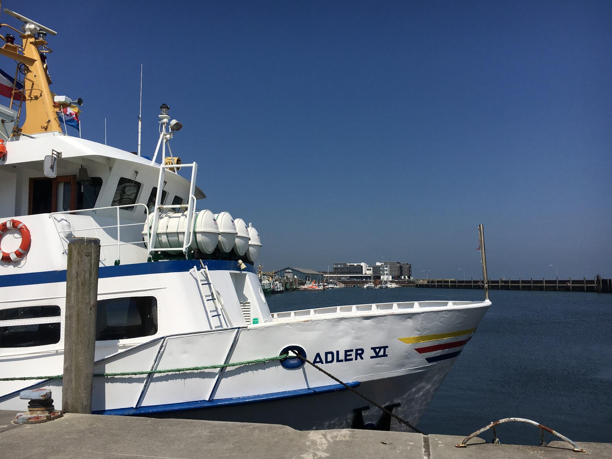 Die Adler VI im Hörnumer Hafen