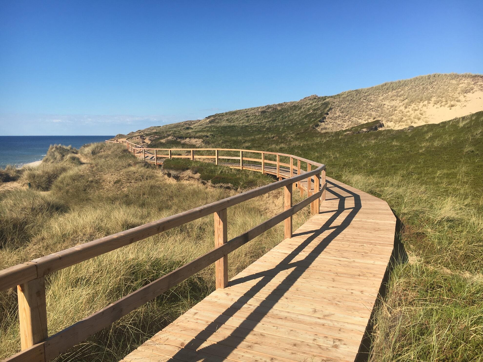 Holzweg am Roten Kliff