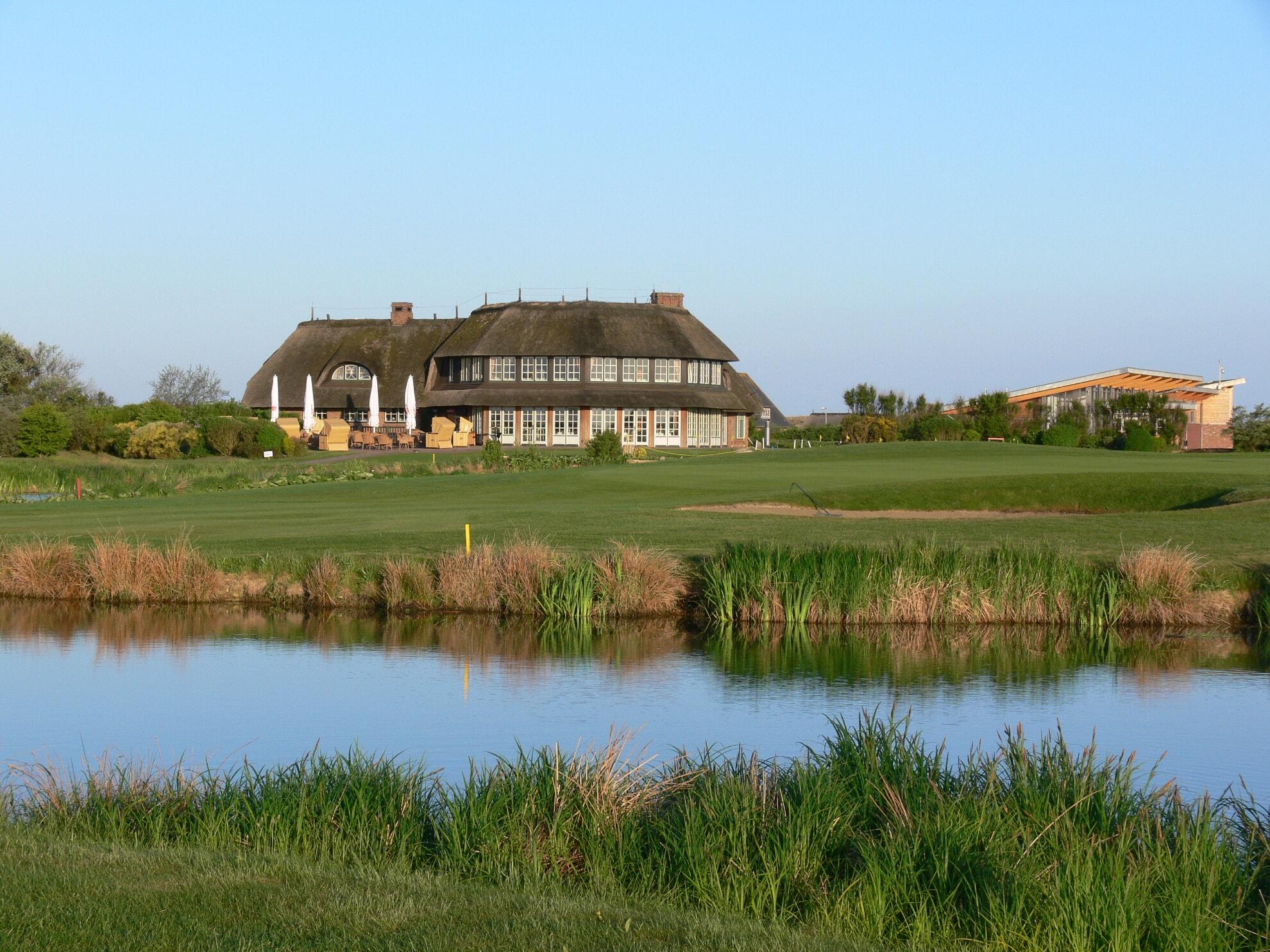 Clubhaus des Golfclubs