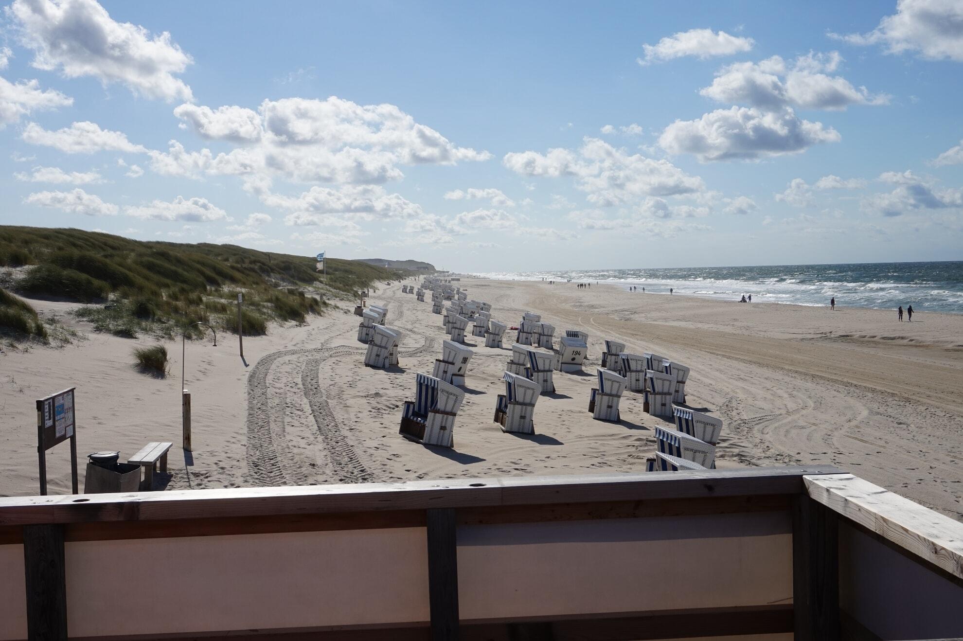 Textil- und FKK-Strand am Dünensteg in Kampen