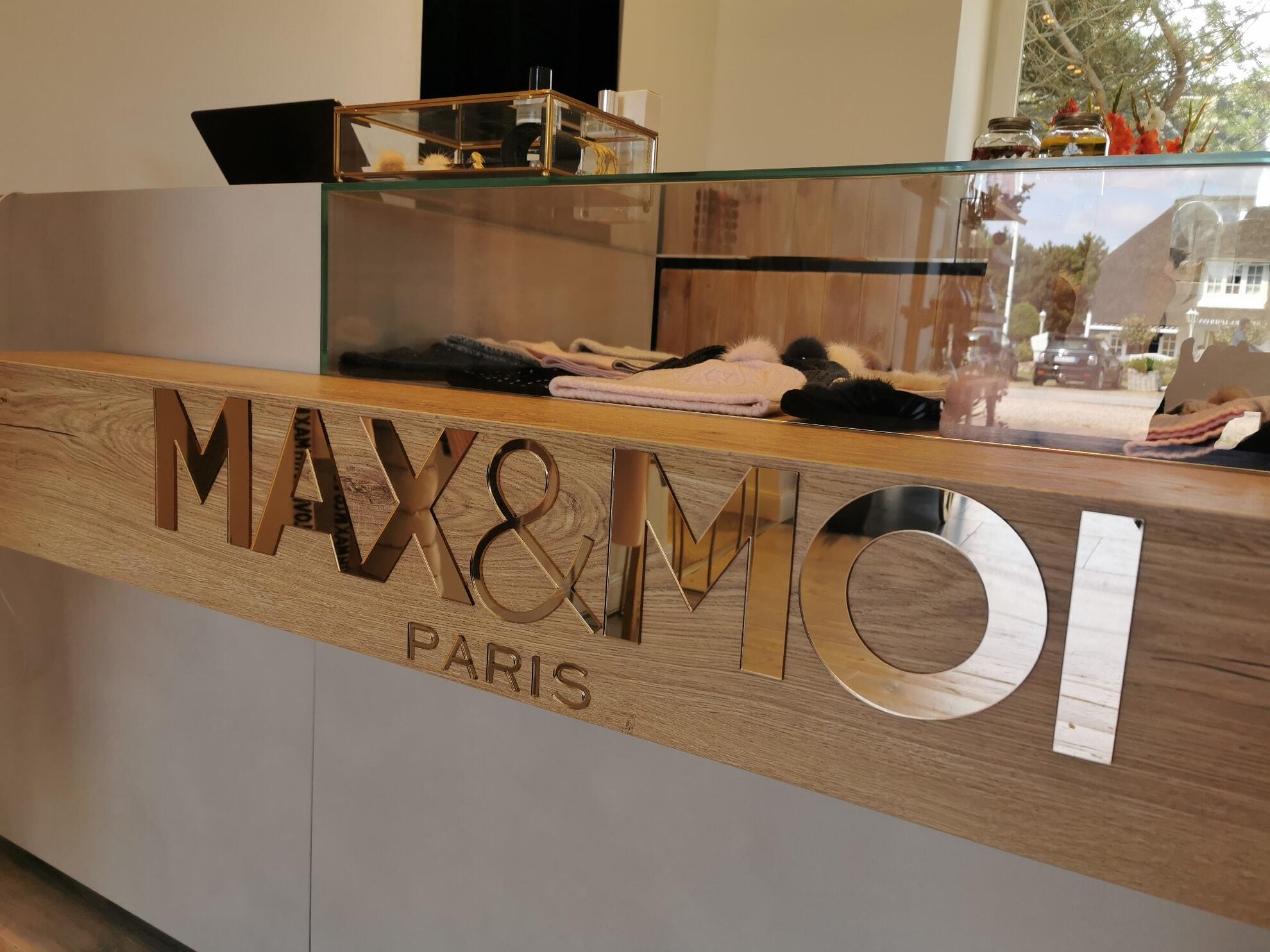 MAX&MOI