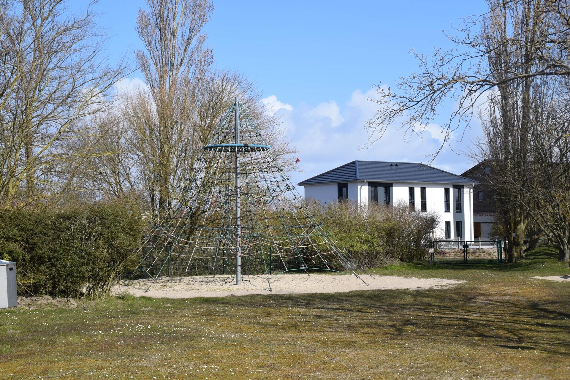Seilkletterturm in Morsum
