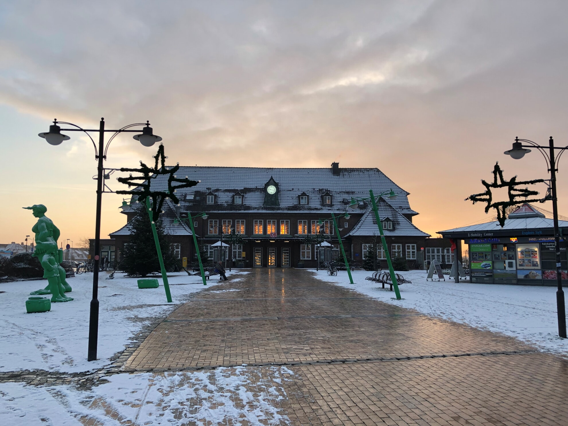 Der Westerländer Bahnhof im Schnee
