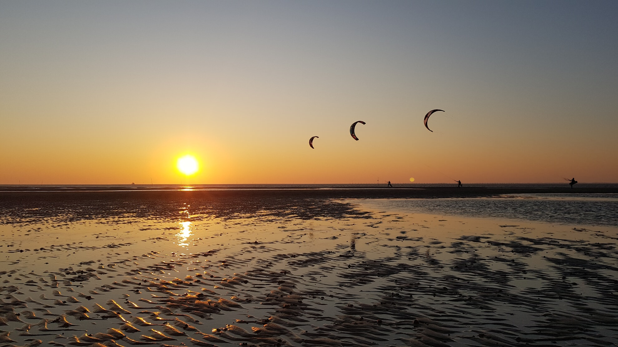 Kitesurfer an Hörnums Ostküste