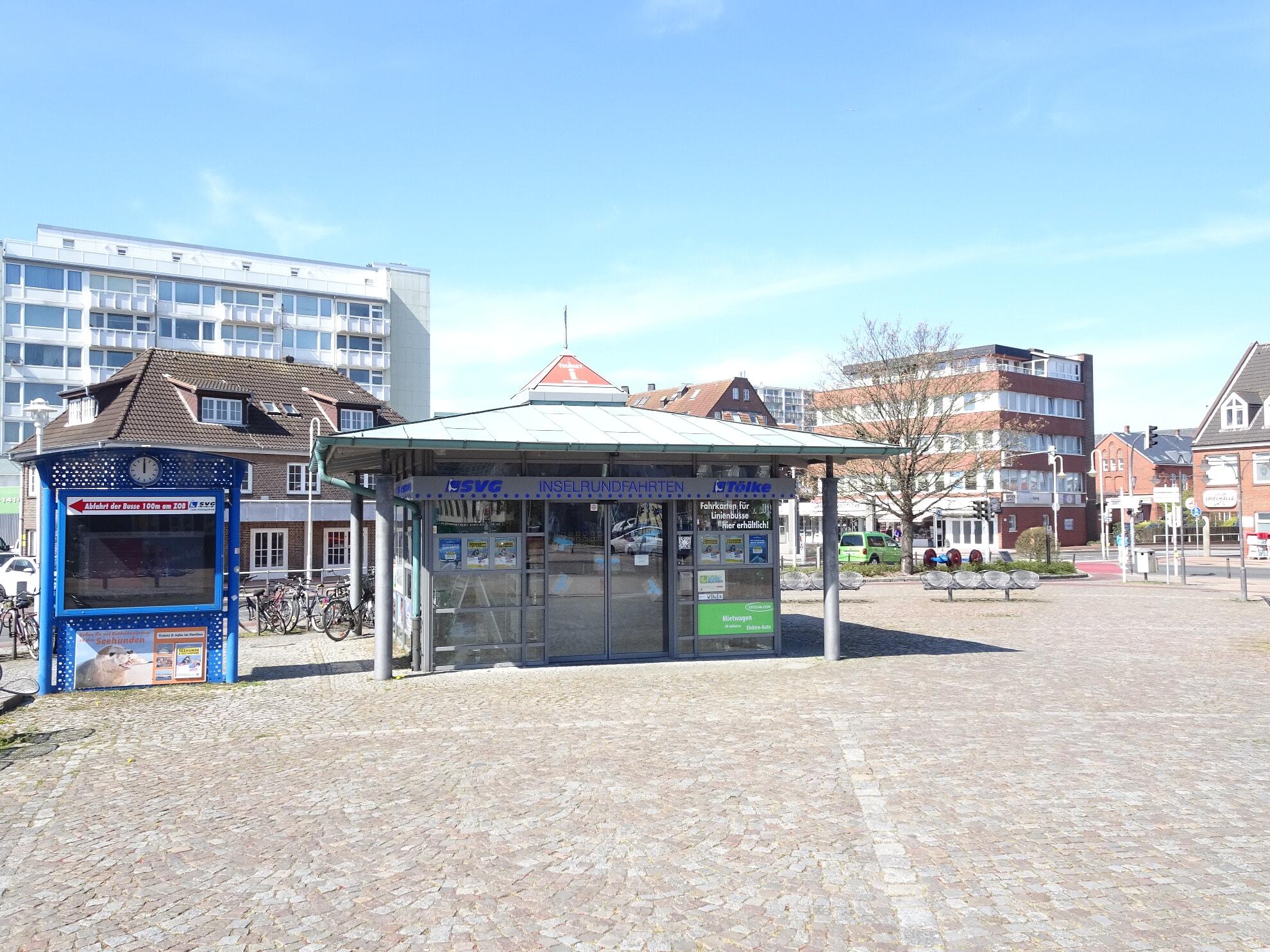 Der Pavillon direkt am Bahnhof