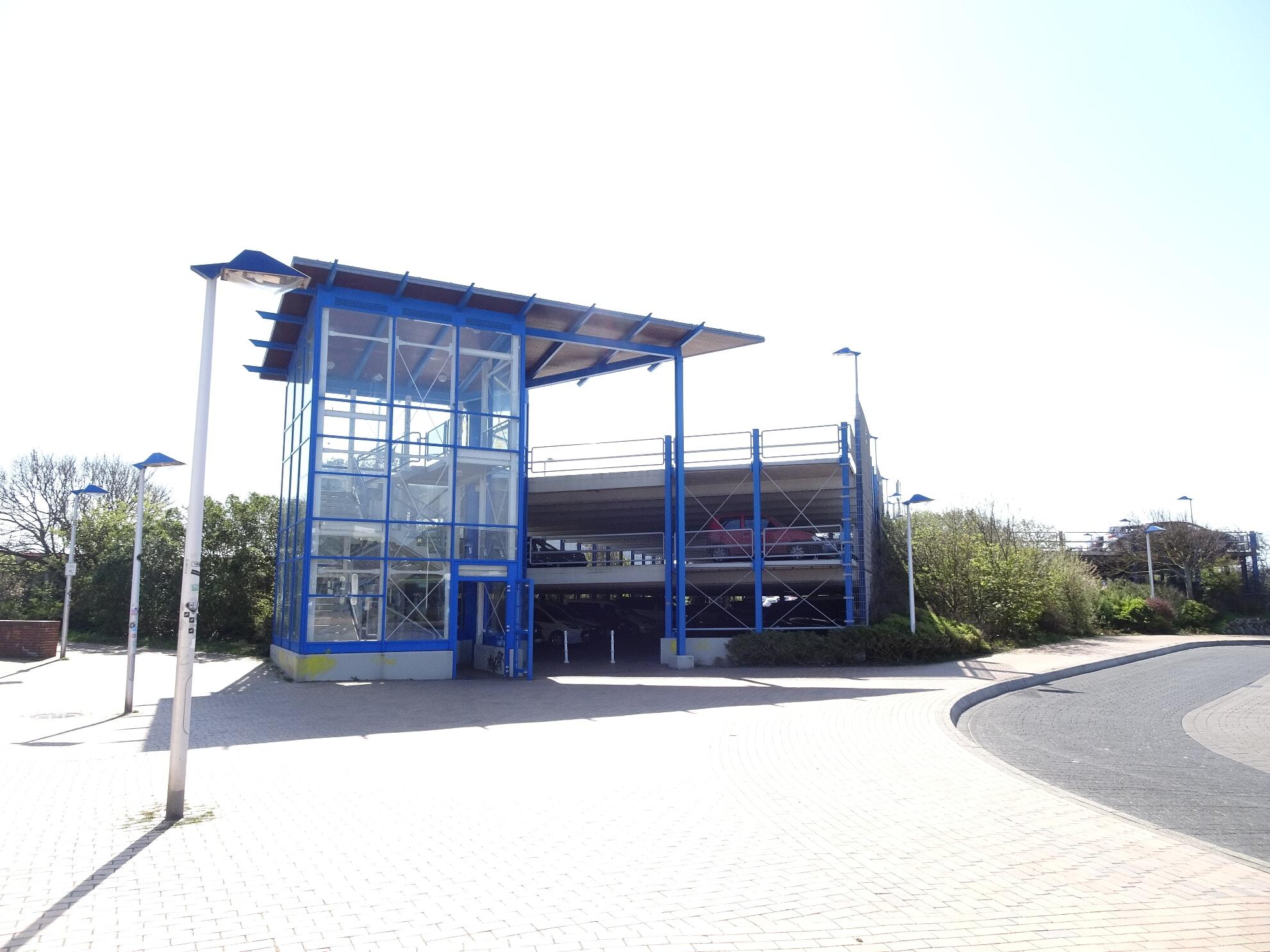 Parkhaus am Bahnhof