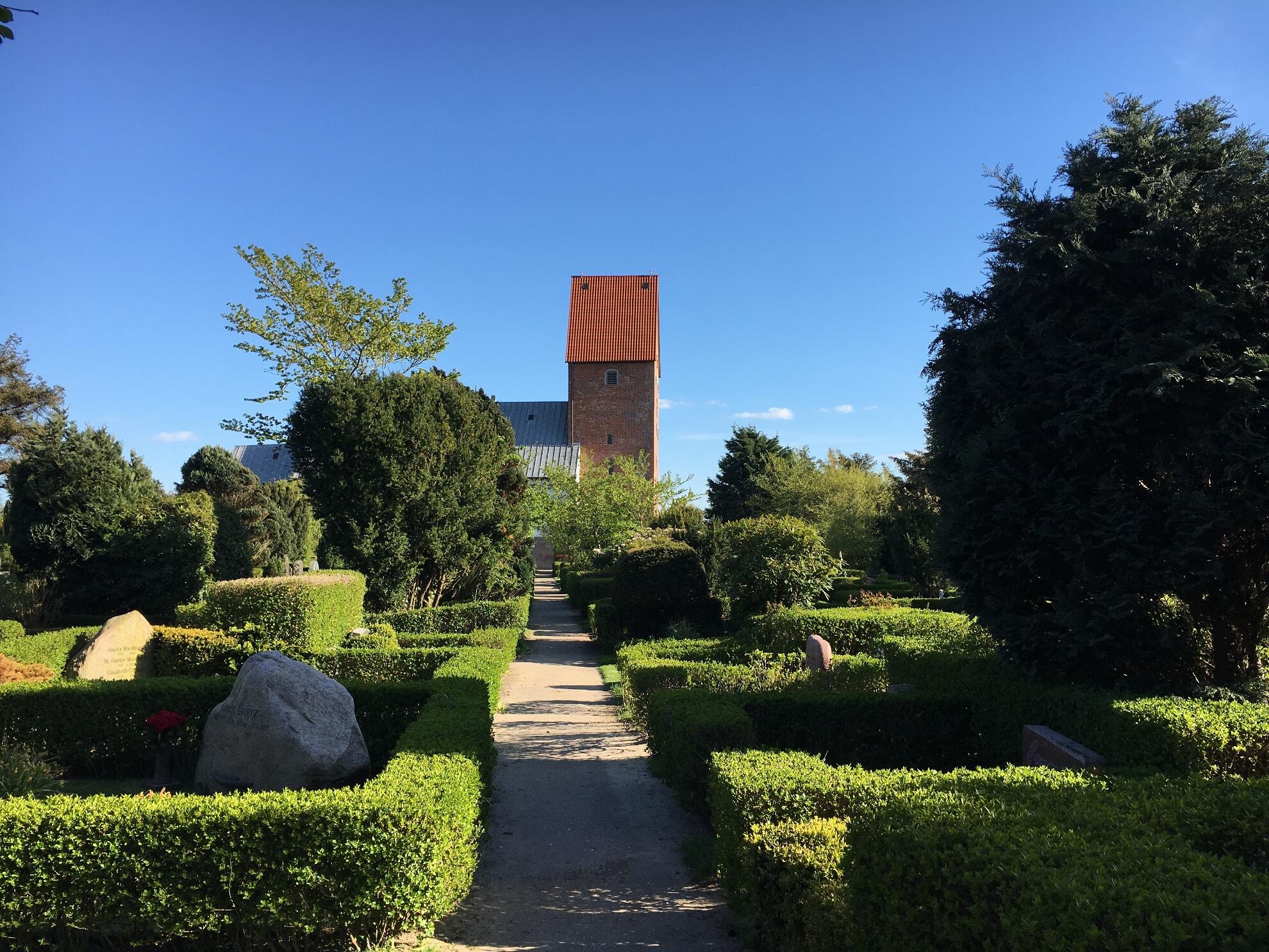 St. Severin - Ansicht vom Friedhof