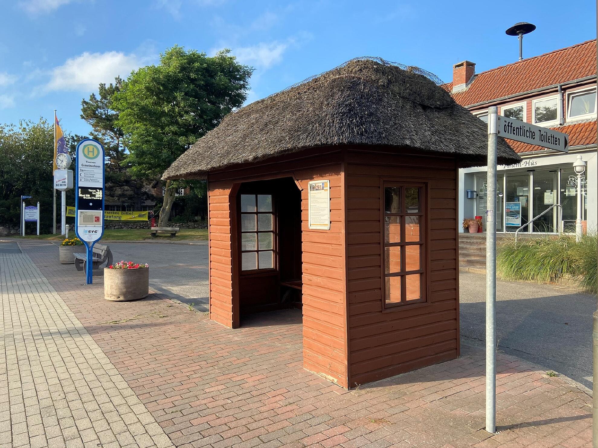 Bushaltestelle Tinnum Gemeindehaus