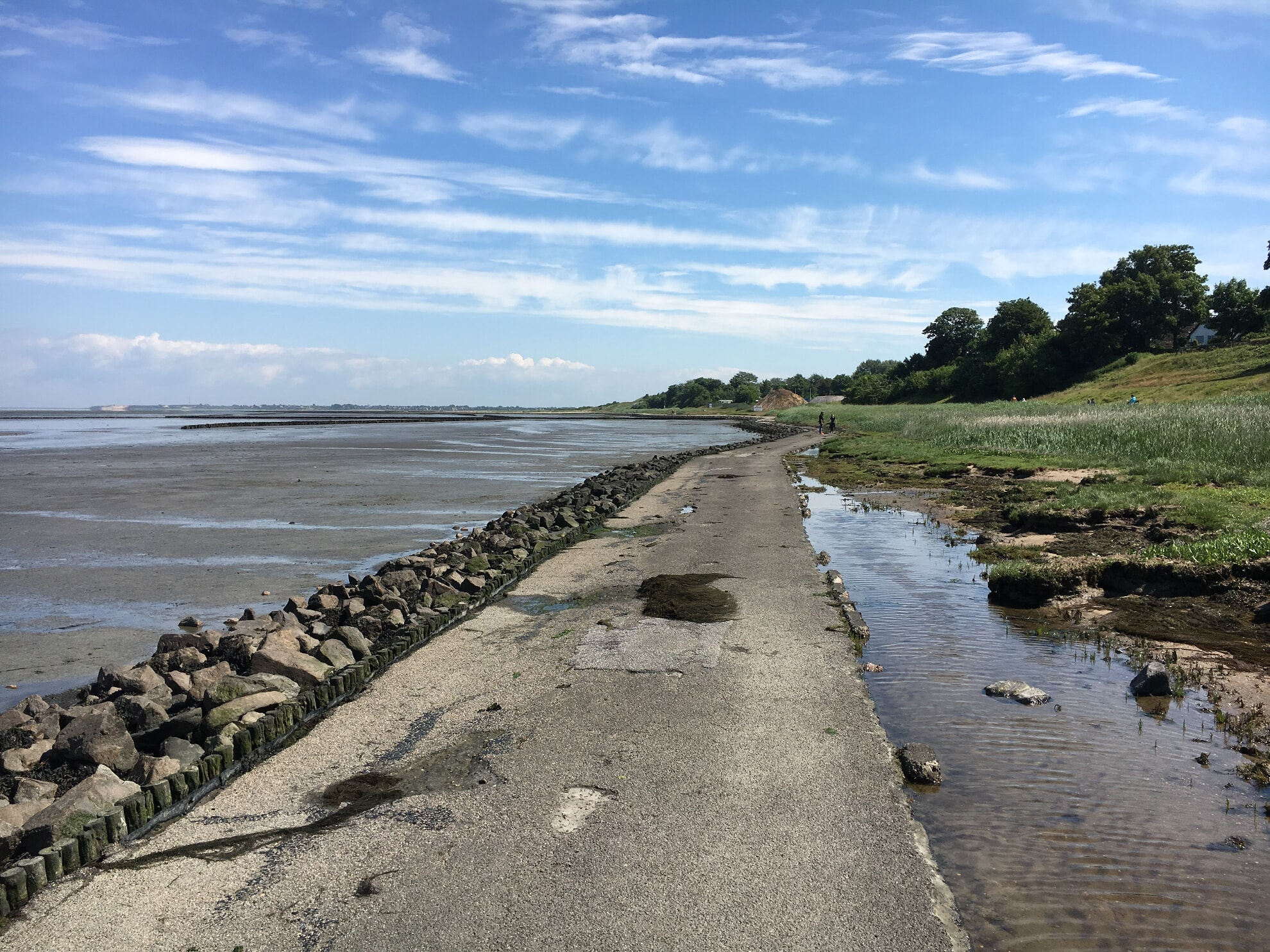 asphaltierter Weg am Keitumer Wattenmeer