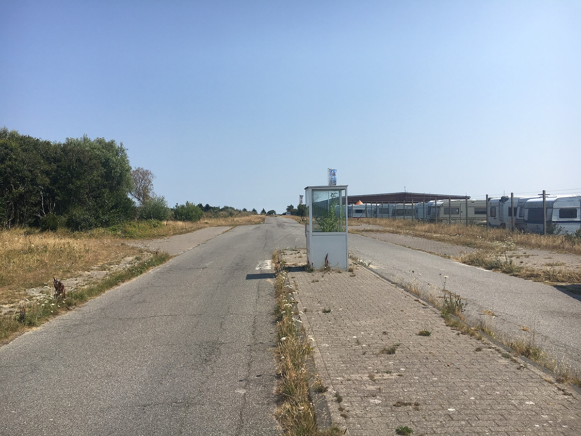 Eingang zum ehemaligen Militärgelände