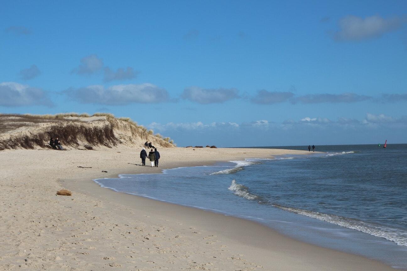 Ein Spaziergang rund um die Hörnum Odde bietet Wellen, Wind und Weitblick.