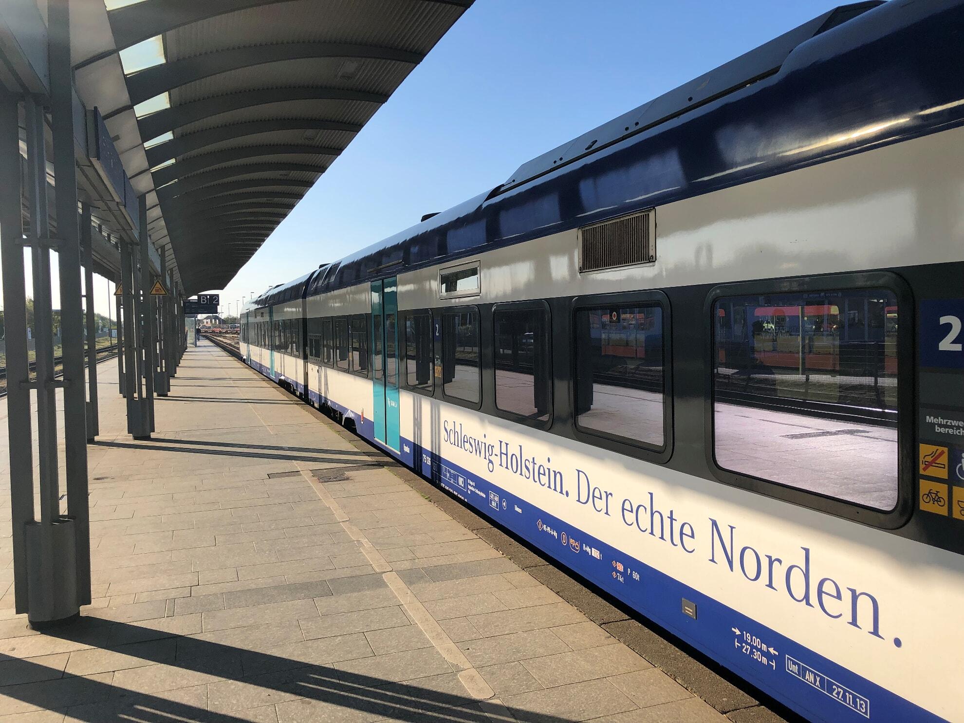 Regionalbahn im Westerländer Bahnhof