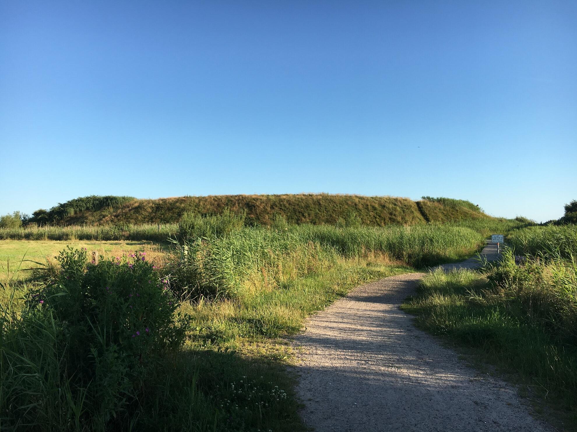 Weg zur Tinnumburg
