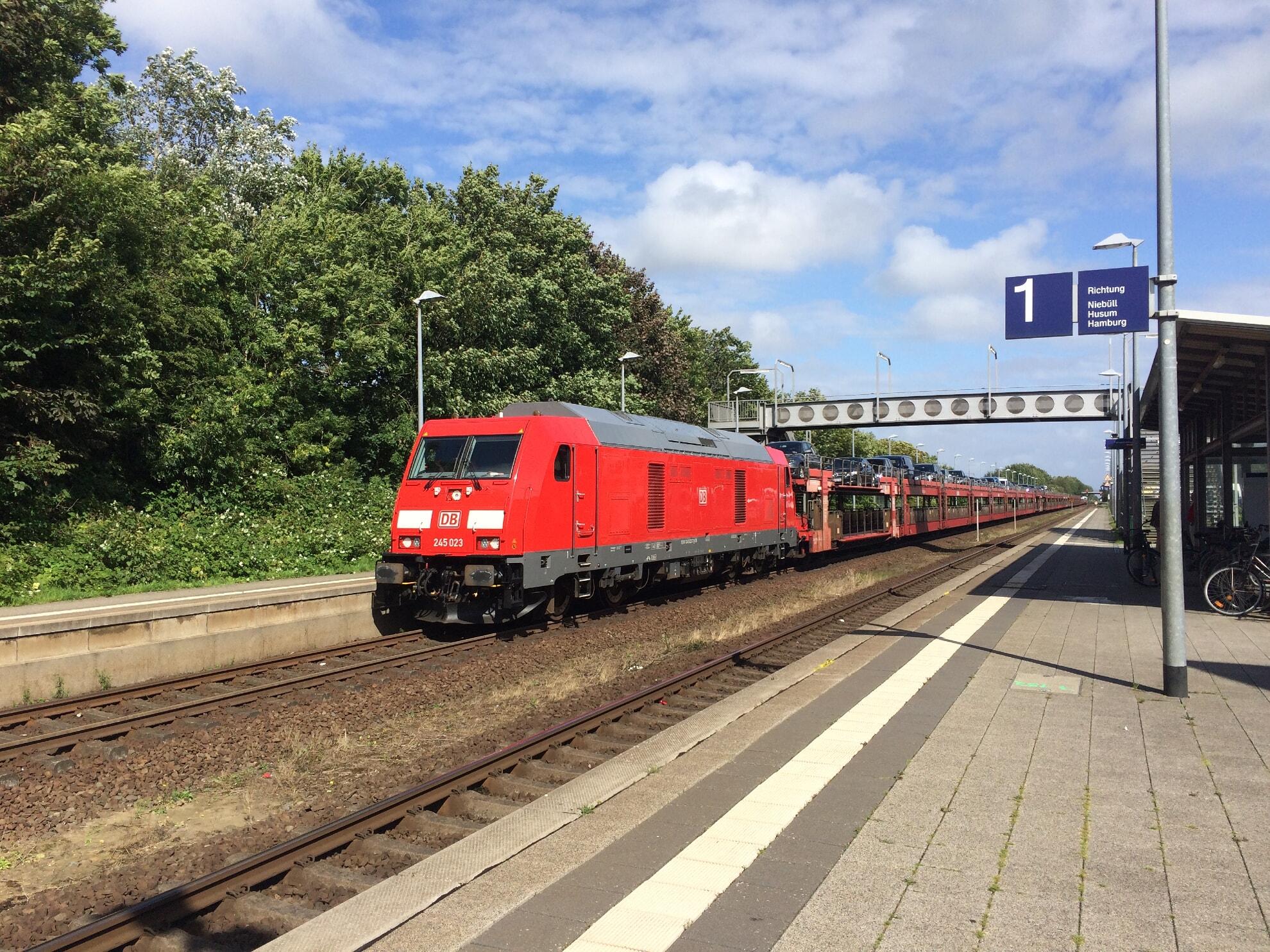 DB SyltShuttle im Morsumer Bahnhof
