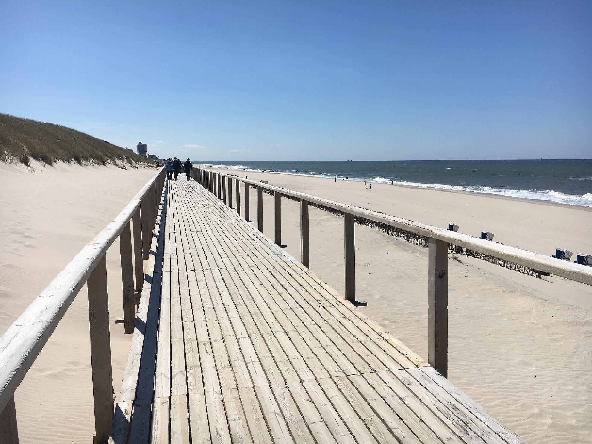 Holzsteg am Sylter Strand