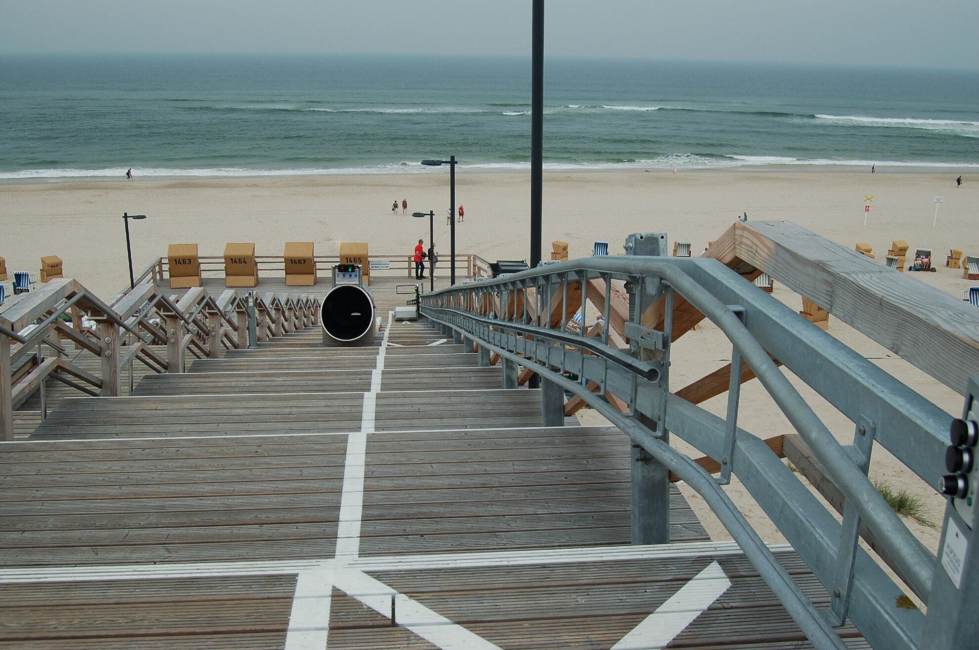 Strandtreppe am Hauptstrand