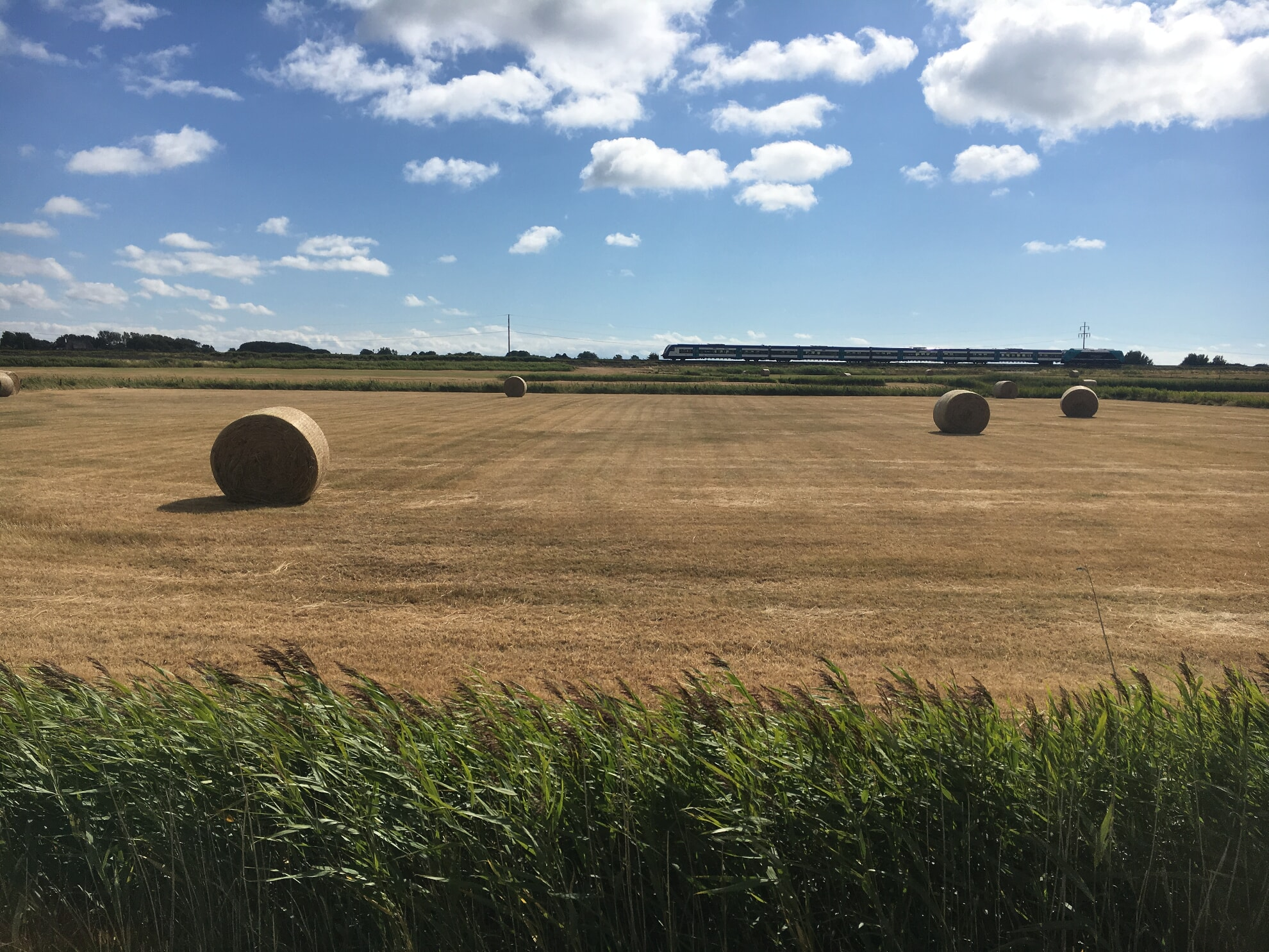 Felder und Bahnstrecke zwischen Morsum und Keitum