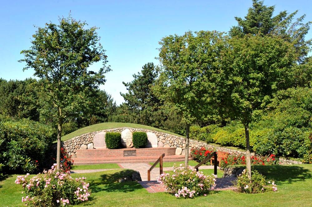 Ehrendenkmal im Avenariuspark