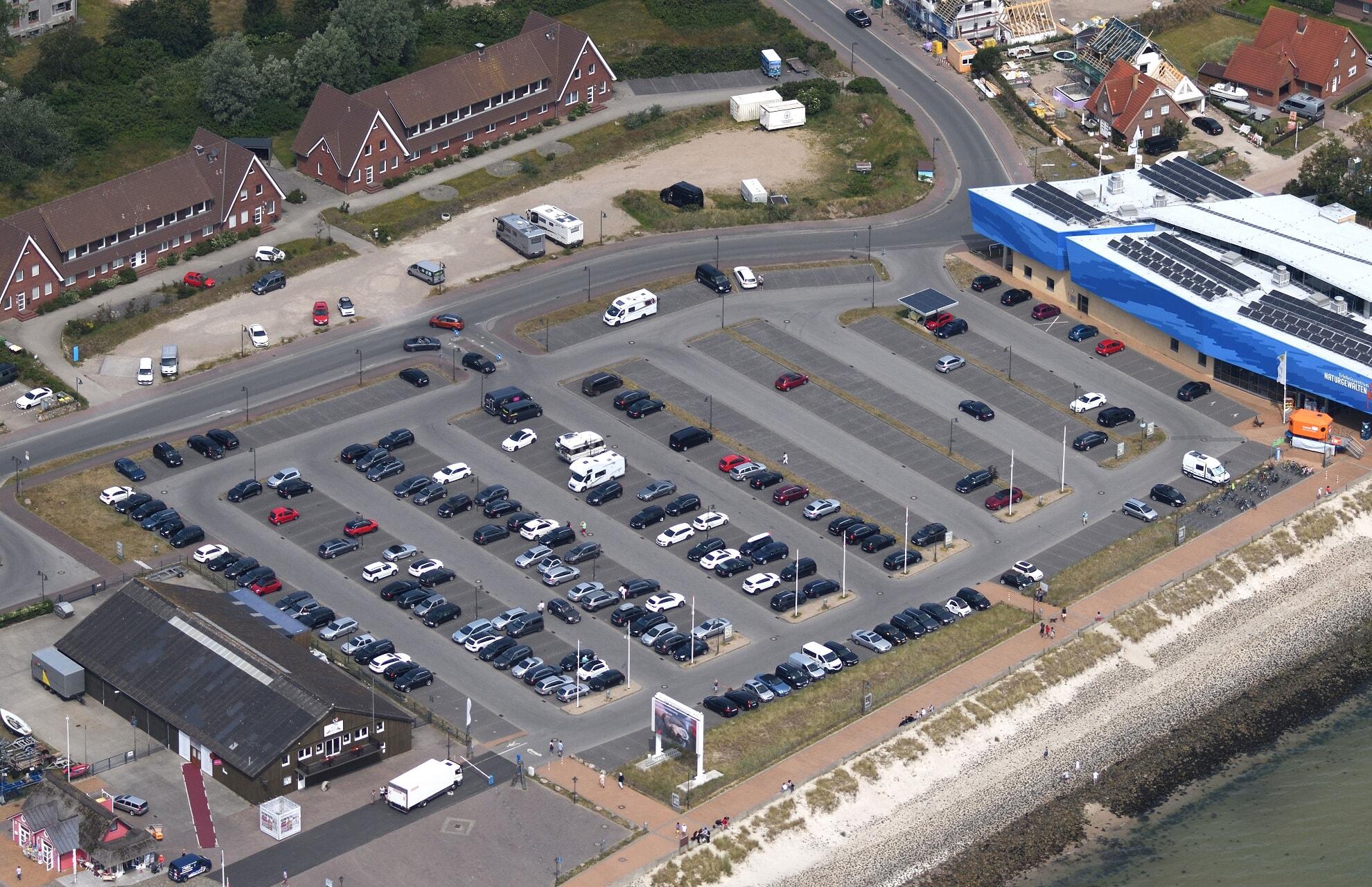 Parkplatz am Lister Hafen